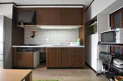 キッチンの様子。(2013-09-13,共用部,KITCHEN,13F)