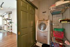ドラム式の洗濯乾燥機。(2020-06-27,共用部,LAUNDRY,3F)