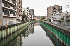 近所には川が流れています。(2017-03-06,共用部,ENVIRONMENT,1F)