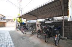 自転車置き場の様子。(2013-09-18,共用部,GARAGE,1F)