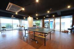 卓球台が設置されています。(2015-09-01,共用部,LIVINGROOM,2F)
