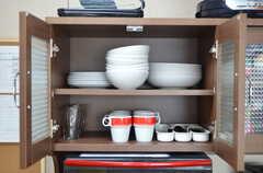 食器類の様子。部屋ごとに使えるスペースも用意されています。(2012-07-13,共用部,KITCHEN,6F)