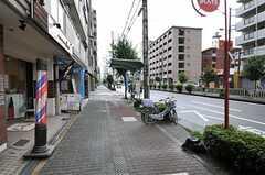 JR東海道本線・塚本駅からシェアハウスへ向かう道の様子。(2011-09-04,共用部,ENVIRONMENT,1F)