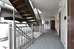 外廊下の様子。201〜203号室はゲストルームとして使えます。(2017-09-13,共用部,OTHER,2F)