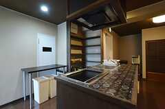 キッチンの様子。(朱-AKA)(2014-05-16,共用部,KITCHEN,6F)