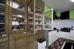 食器棚の様子。(2014-07-01,共用部,KITCHEN,2F)