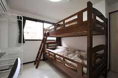 専有部の様子。2段ベッドの上段は荷物置き場です。(402号室)(2014-07-01,専有部,ROOM,4F)