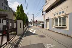 阪急千里線・下新庄駅からシェアハウスへ向かう道の様子。(2014-07-01,共用部,ENVIRONMENT,1F)