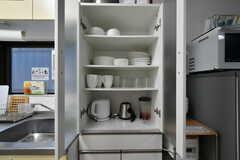 食器棚の様子。(2020-10-22,共用部,KITCHEN,1F)