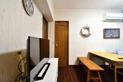 正面のドアを開けると203号室です。(2017-12-11,専有部,ROOM,2F)