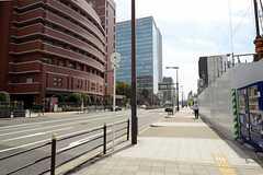 シェアハウスから各線・なんば駅に向かう道の様子。(2013-03-15,共用部,ENVIRONMENT,1F)