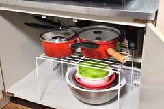 キッチン下には鍋類が収納されています。(2020-03-26,共用部,KITCHEN,4F)