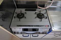 ガスコンロの様子。(ビューティ&リラクゼーション)(2011-08-08,共用部,KITCHEN,2F)