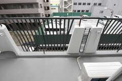 ベランダの様子。リビング、303、304号室のべランダは繋がっています。(フィットネス)(2011-09-21,共用部,OTHER,3F)