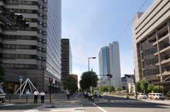 各線・新大阪駅からシェアハウスへ向かう道の様子。(2011-08-08,共用部,ENVIRONMENT,1F)