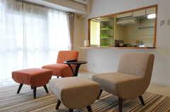 ゆったり座れます。(カフェスタイル)(2012-11-28,共用部,LIVINGROOM,4F)