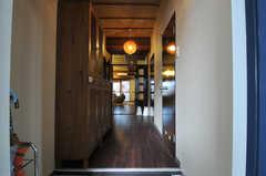 正面玄関から見た内部の様子。(アジアンスタイル)(2013-09-10,周辺環境,ENTRANCE,7F)
