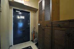 内部から見た玄関周辺の様子。(アジアンスタイル)(2013-09-10,周辺環境,ENTRANCE,7F)