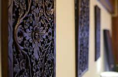 細かな装飾が施されたウッドボード。(アジアンスタイル)(2013-09-10,共用部,LIVINGROOM,7F)
