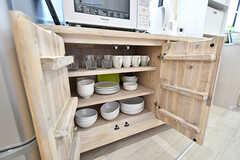 食器棚の様子。(2017-04-04,共用部,KITCHEN,1F)