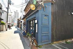 ビストロやバーなど、雰囲気のあるお店も。(2017-04-04,共用部,ENVIRONMENT,1F)