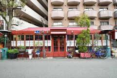 近所のレストラン。異国情緒たっぷりです。(2018-04-11,共用部,ENVIRONMENT,1F)