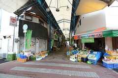 住宅近くの商店街。(2016-04-18,共用部,ENVIRONMENT,1F)