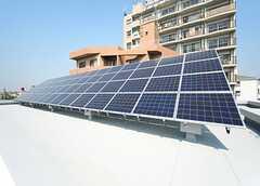 屋上に設置されたソーラーパネル。 ※事業者様提供素材(2014-09-28,専有部,ROOM,5F)