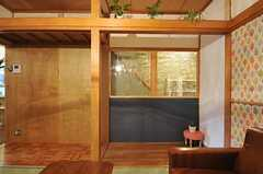 廊下と和室を隔てるガラス。(2012-12-18,共用部,OTHER,1F)
