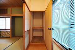 収納の様子。(203号室)(2012-12-18,専有部,ROOM,2F)