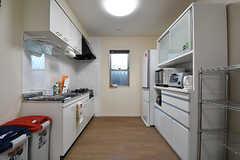 キッチンの様子。(2016-11-14,共用部,KITCHEN,1F)