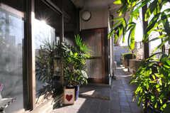 玄関ドアは引き戸です。(2010-11-27,周辺環境,ENTRANCE,5F)