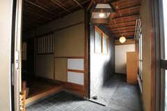正面玄関から見た内部の様子。(2010-11-27,周辺環境,ENTRANCE,5F)