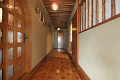 正面玄関から見た廊下の様子。(2010-11-27,周辺環境,ENTRANCE,5F)