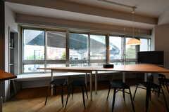 テーブルはくっつけても使えます。(2017-07-12,共用部,LIVINGROOM,3F)