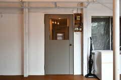 ラウンジのドア。かわいいです。(2017-07-12,共用部,LIVINGROOM,4F)