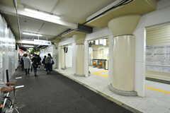近鉄線・鶴橋駅の様子。(2017-11-14,共用部,ENVIRONMENT,1F)