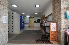 正面玄関から見た内部の様子。(2013-05-21,周辺環境,ENTRANCE,1F)
