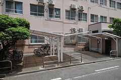 自転車置場の様子。(2013-05-21,共用部,GARAGE,1F)