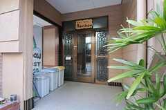 シェアハウスの正面玄関。(2012-01-13,周辺環境,ENTRANCE,1F)