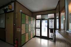 内部から見た玄関周りの様子。(2012-01-13,周辺環境,ENTRANCE,1F)