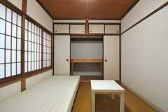 収納の様子。(202号室)(2013-10-29,専有部,ROOM,2F)