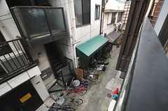窓から見た外の景色。(202号室)(2013-10-29,専有部,ROOM,2F)