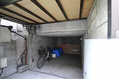 自転車置き場の様子。(2011-11-28,共用部,GARAGE,1F)