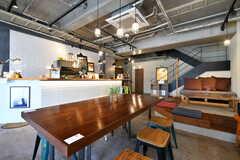 カフェ&バーの様子。入居者は無料で使えます。(2020-03-24,共用部,LIVINGROOM,1F)
