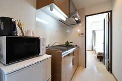 キッチン周辺の様子。(301号室)(2020-03-24,専有部,ROOM,3F)