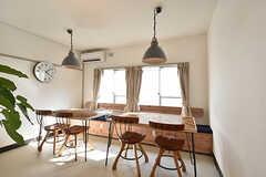 ダイニングの様子。リビングとは空間がわかれているので、食事だけでなく、仕事や勉強などにも使用できます。(2016-07-20,共用部,LIVINGROOM,1F)
