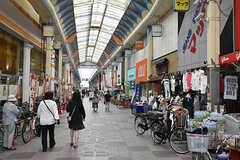 JR東海道本線・塚本駅前の商店街。(2016-07-20,共用部,ENVIRONMENT,1F)