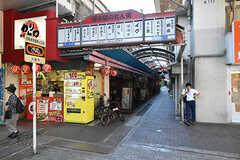 JR東海道本線・塚本駅前の路地。(2016-07-20,共用部,ENVIRONMENT,1F)