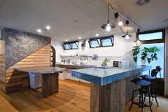 キッチンはまるで厨房のよう。(2015-05-18,共用部,KITCHEN,1F)